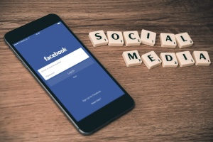 Facebook запустив додаток для голосових дзвінків CatchUp