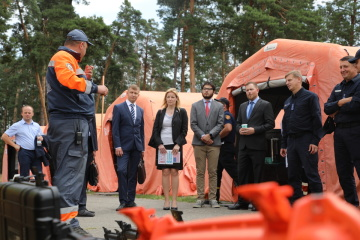 Estados Unidos dona equipo de desminado al Servicio Estatal de Emergencia de Ucrania (Fotos)