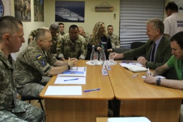 JFO commander meets with OSCE delegation to discuss ceasefire in Donbas