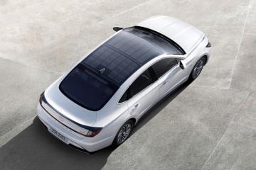 Hyundai представила свій перший автомобіль із сонячним дахом