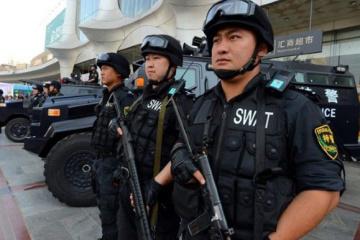 """Китай розпочав """"навчання"""" з подолання сутичок на кордоні з Гонконгом"""