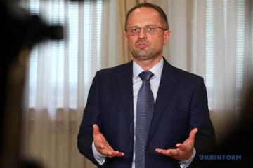 Bezsmertny: Ucrania debería suspender su participación en el proceso de Minsk tras la muerte de soldados cerca de Pavlopil