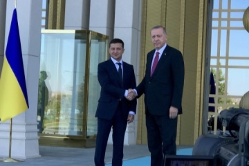 Zelensky invites Turkey to rebuild Donbas infrastructure