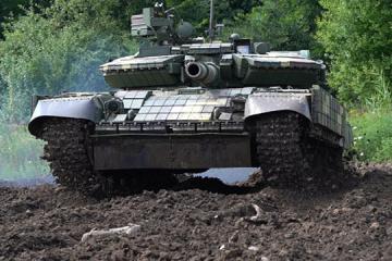 Nevagación por satélite y cámaras termográficas: Modernizan los tanques T-64 en Lviv (Vídeo)