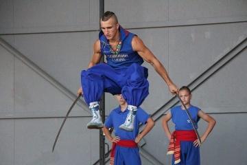 Le hopak de combat, un art martial ukrainien, présenté en France