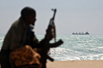 Marineros ucranianos rechazan un ataque pirata en un puerto africano