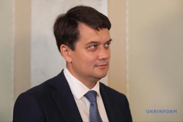 Parlamentspräsident Rasumkow wünscht jedem Haus zu Weihnachten Frieden, Ruhe und gegenseitiges Verständnis