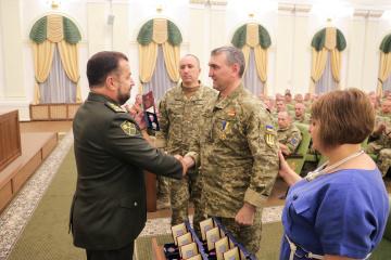 """Медали """"За ранение"""" получили 25 военных"""