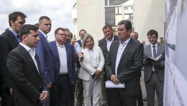 Держава дасть гроші на будівництво злітної смуги аеропорту Франківська - Президент