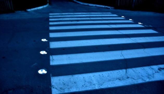 На Полтавщині пішохідні переходи на дорогах світяться вночі