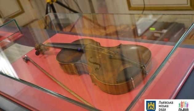Мистецькою виставкою відкрився фестиваль класичної музики LvivMozArt