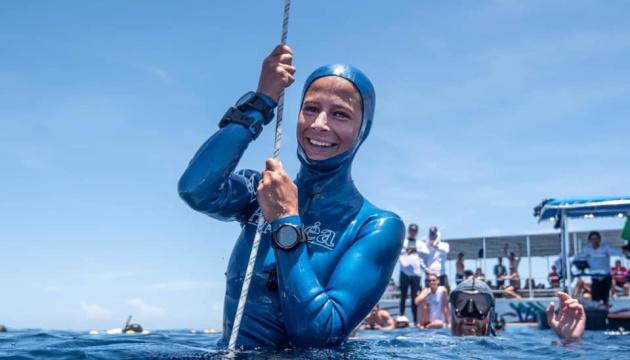 Українська спортсменка стала сьомою жінкою в світі, яка пірнула на глибину 100 м