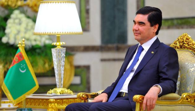 Президента Туркменистана показали на государственном ТВ - у