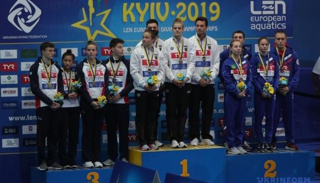 Німеччина виграла перше «золото» на київському ЧЄ зі стрибків у воду