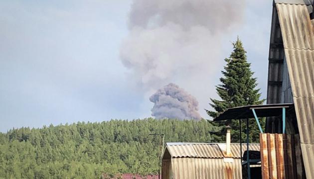 Вибухи на військових складах в РФ: постраждалих побільшало до 12