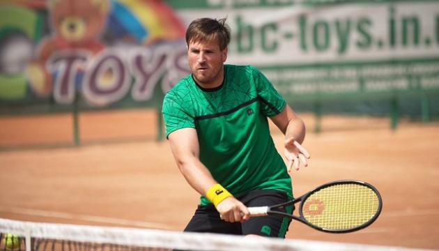 Ужиловський не зміг дограти свій першій поєдинок в основі турніру ATP в Аптосі