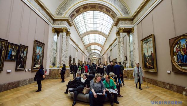 «Мона Лиза» переехала, спровоцировав хаос среди туристов