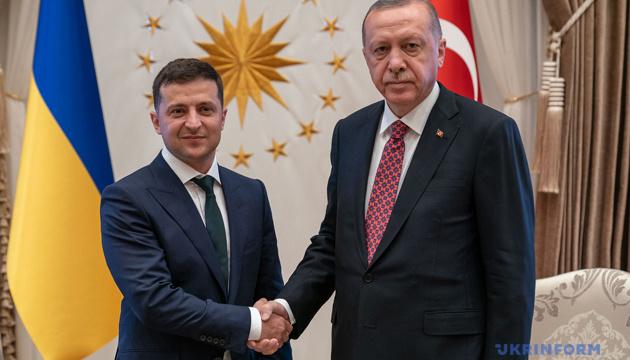 Zelensky mantiene una conversación telefónica con Erdoğan