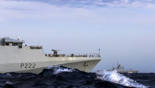 Корабель ВМС Британії супроводжував російський корвет у Ла-Манші