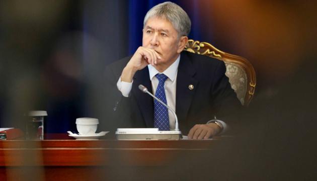 Суд залишив під арештом колишнього президента Киргизстану Атамбаєва