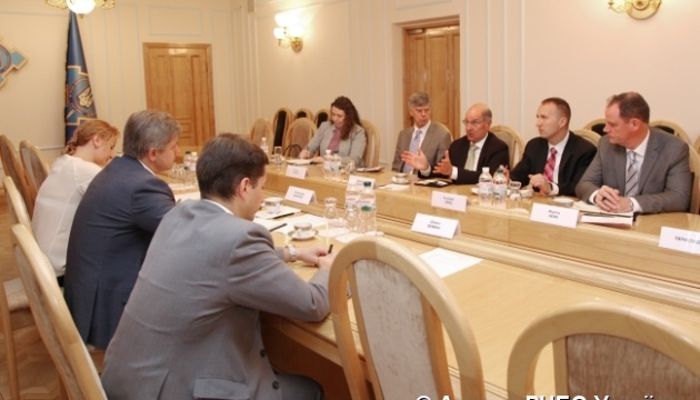 NSDC secretary and U.S. officials discuss defense reform