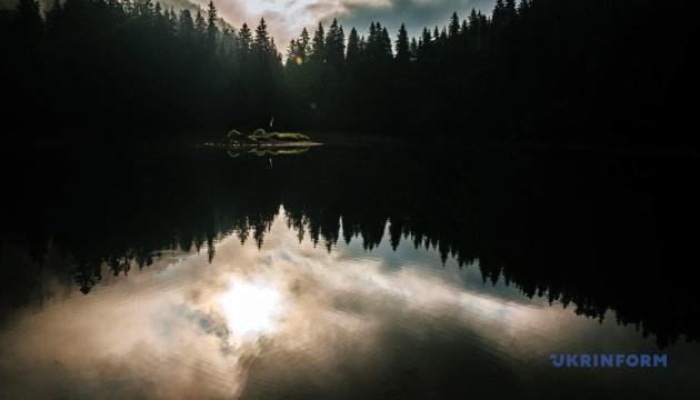 Озера України, які варто відвідати цього літа. Інфографіка