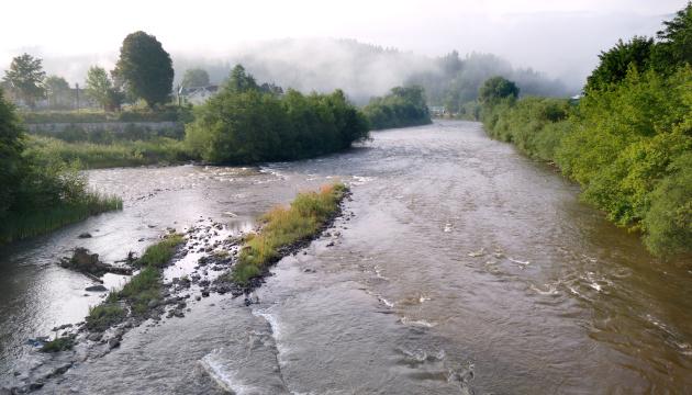 Рятувальники попереджають про підвищення рівня води у річках західних регіонів