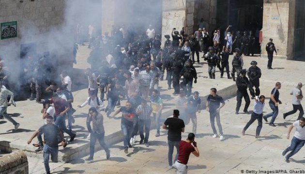 У сутичках на Храмовій горі Єрусалима постраждали 65 осіб