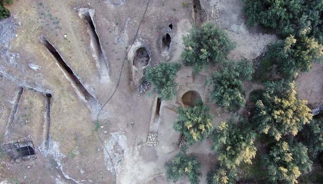 У Греції знайшли дві стародавні гробниці