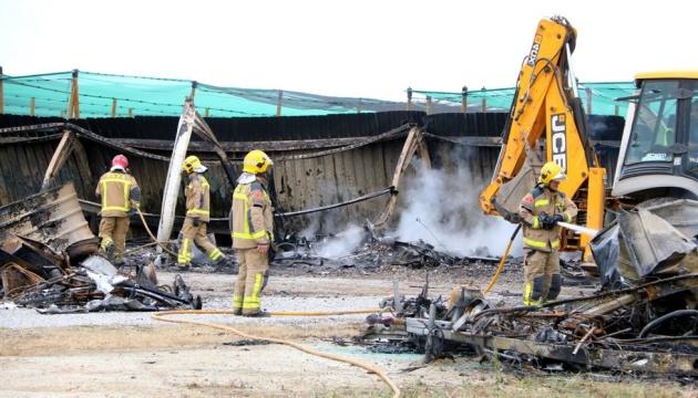 В Іспанії через удар блискавки згоріли 40 будинків на колесах