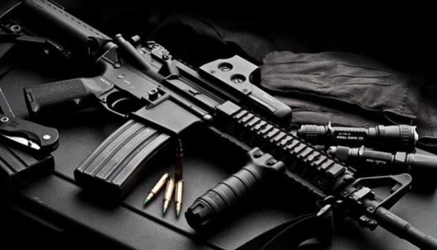 В Канаде ужесточат правила владения оружием: хотят запретить AR-15 и пистолеты