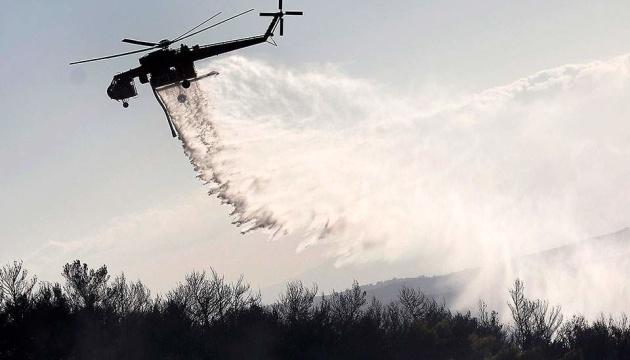 В Греции из-за масштабного пожара эвакуировали монастырь