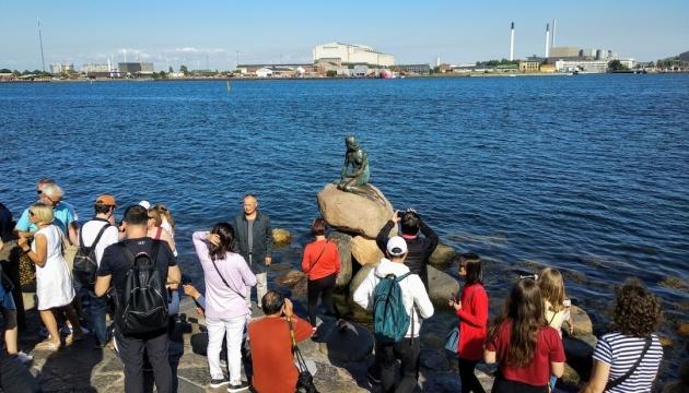 Мешканцям Данії дозволили збиратися групами до 50 осіб
