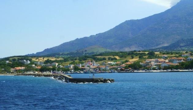 Більше тисячі туристів не можуть виїхати з грецького острова