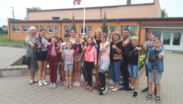 У Латвії відпочинуть 15 дітей з Ніжина