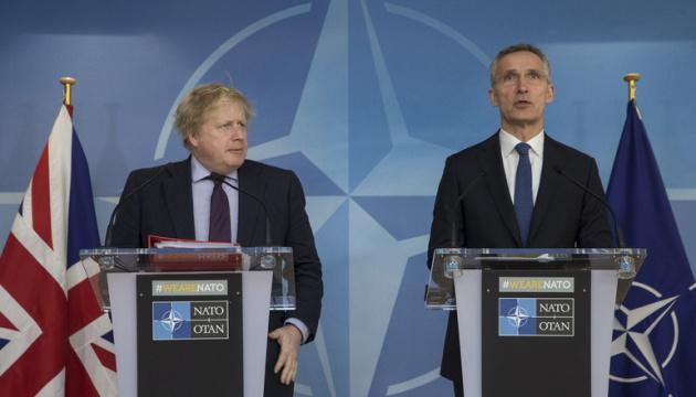 Джонсон і Столтенберг обговорили порушення Росією ракетного договору