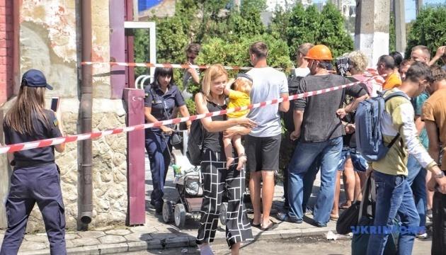 Назвали три версии причин пожара в одесском отеле
