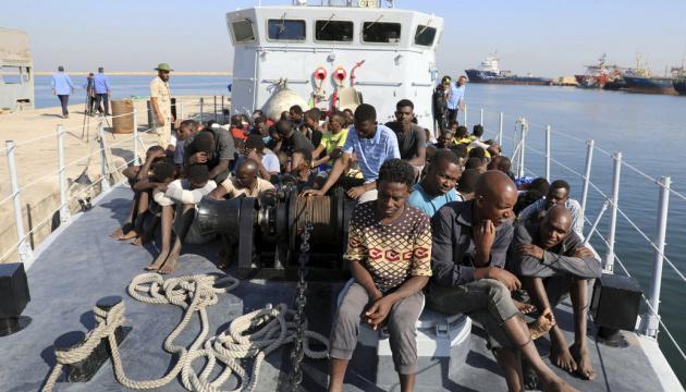 Судно с беженцами Open Arms отказалось идти в Испанию