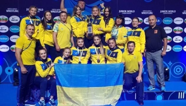 Українські борчині стали третіми на чемпіонаті світу серед юніорів у Таллінні