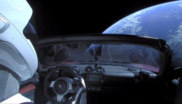 Tesla Roadster совершил первый полет вокруг Солнца