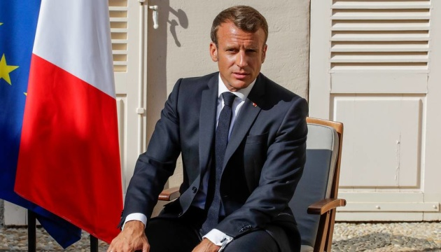 Macron reiterates the need to resume political dialogue with Russia