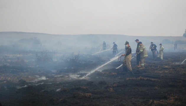 На Полтавщині ліквідовують пожежу торфу