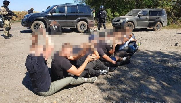 За спробу рейдерського захоплення підприємства на Харківщині поліція затримала 15 осіб