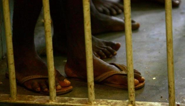 В Індонезії із тюрми втекли понад 250 в'язнів