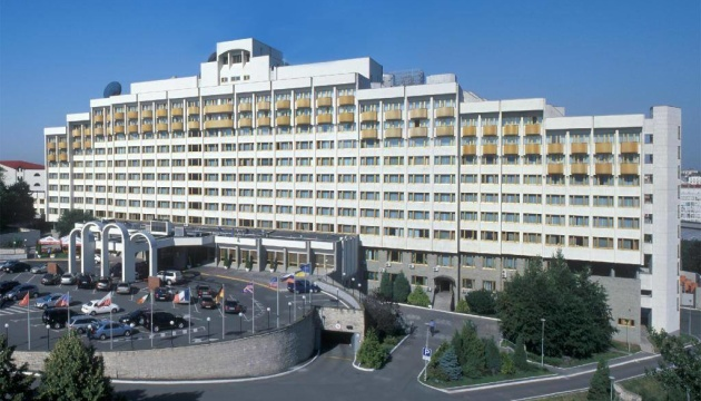 Суд разблокировал процесс приватизации Президент-Отеля