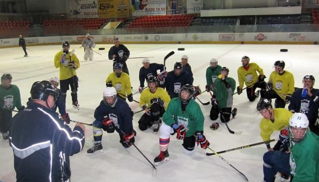 """Хокеїсти """"Білого Барса"""" провели перше в сезоні тренування на льоду"""