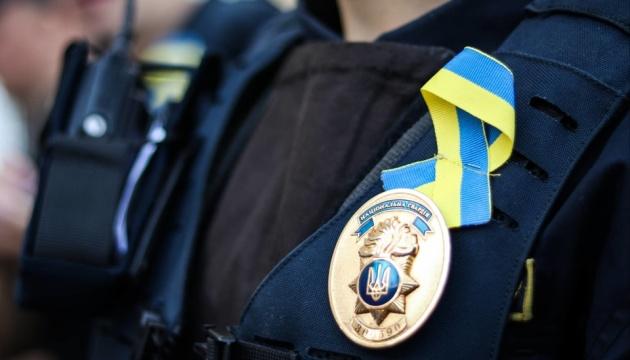 З нагоди Дня Незалежності нацгвардійці несуть службу із синьо-жовтими стрічками