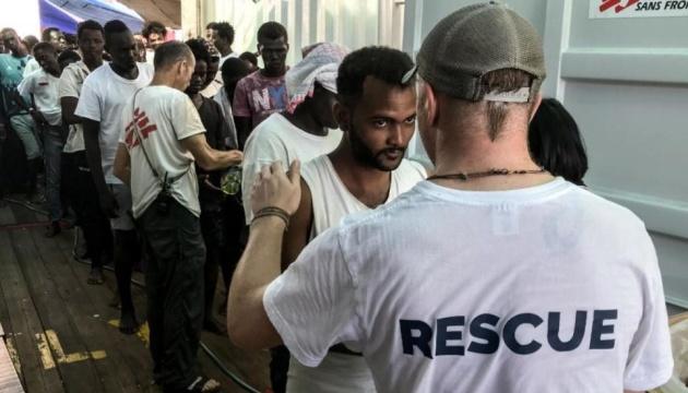 На Мальті приймуть 356 мігрантів, які провели два тижні у Середземному морі