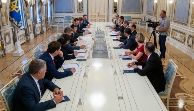 Зеленський — делегації Світового банку: Нашим ключовим завданням є перемогти корупцію