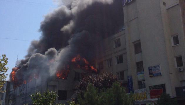 У Чорноморську горить караоке-клуб з дитячим розважальним центром